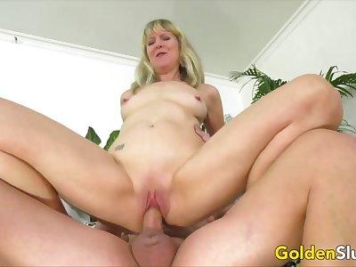 Golden Floozy - Desperate Granny Meets a Hung Stud Compilation