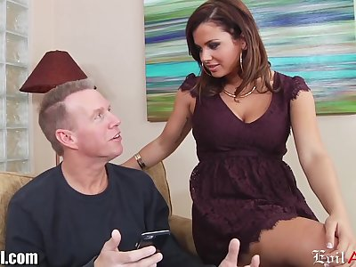 Young chick Keisha Grey has an affair with older married supplicant Cadence Wood
