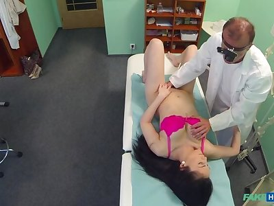 Doctors bushwa persuades sexy patient not to have an superfluous operation