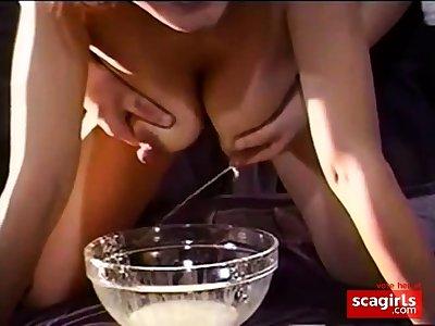 Amateur Milking the nipples