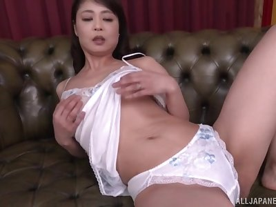 Mature Asian join in matrimony Ootomo Izumi piracy and masturbating on the sofa