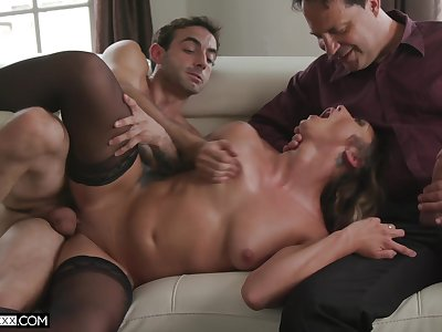 Dirty girl Piper Cox has an observer to the fullest extent a finally a lover does her pussy some good